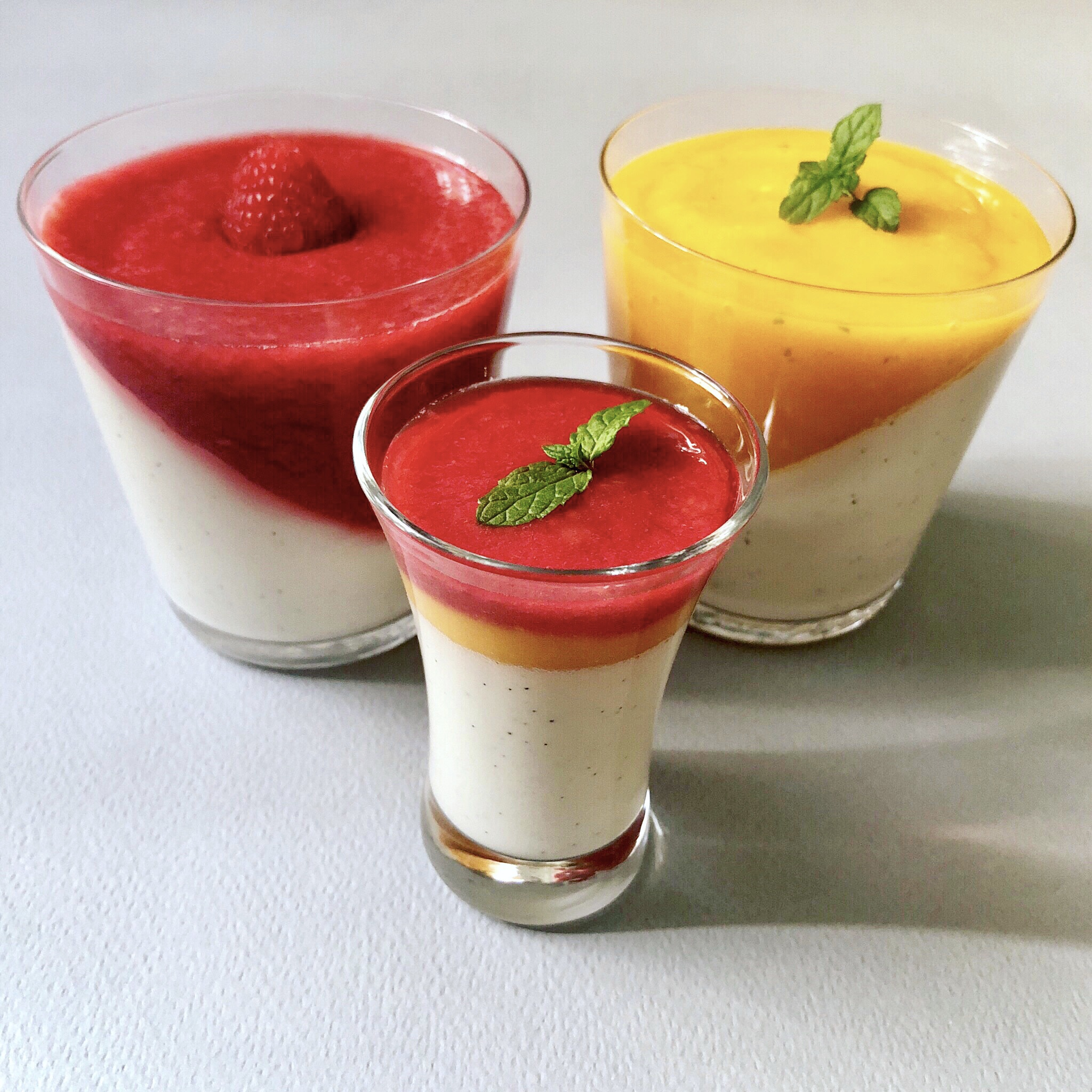 IMG 3499 - Pannacotta, mango or raspberry  ... Or both!