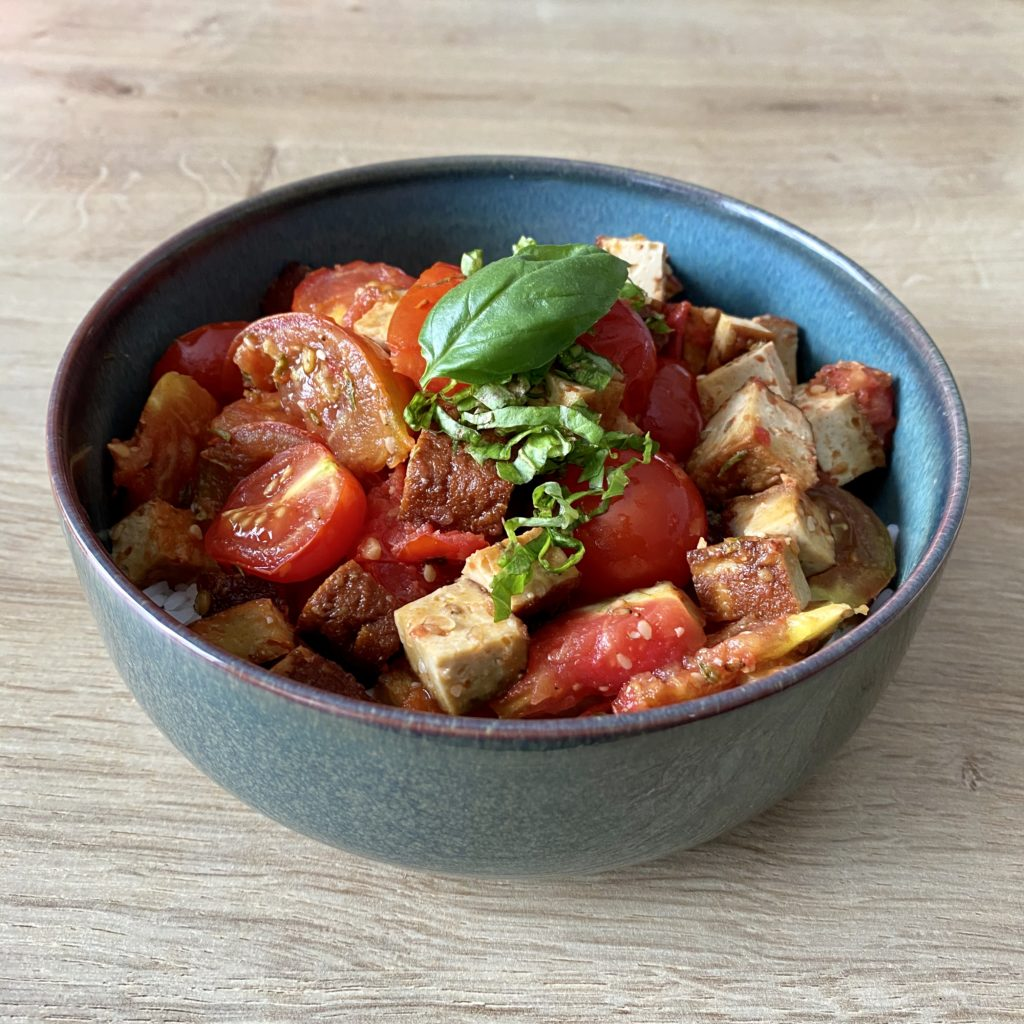 Pour les amoureux des tomates, et les curieux.